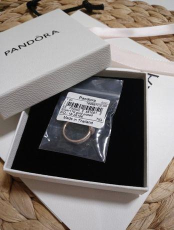 Nowy, oryginalny pierścionek Pandora