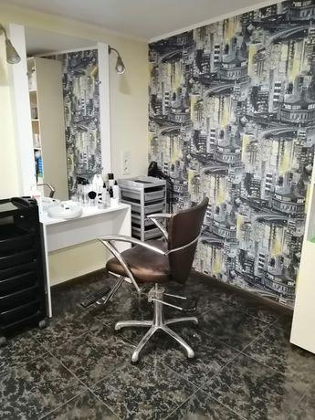 Аренда парикмахерского кресла и маникюрного места