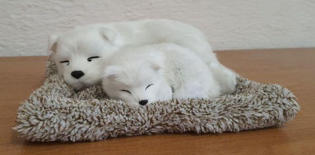 Декоративная игрушка в виде спящих собачек, с активированным углем