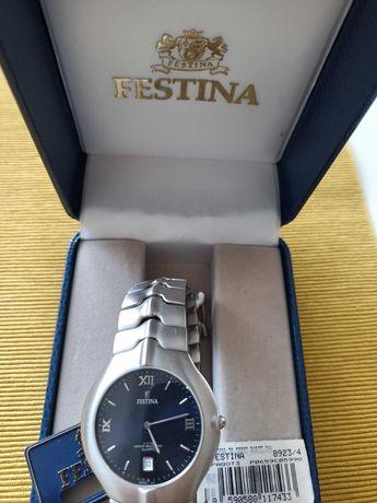 Zegarek męski Festina z bransoletką