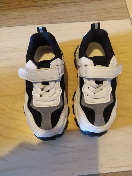 Sprzedam buty sportowe dla dziecka