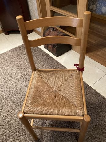 Cadeira de cozinha em bom estado