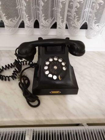 Sprzedam piękny stary telefon z wczesnego okresu PRL.