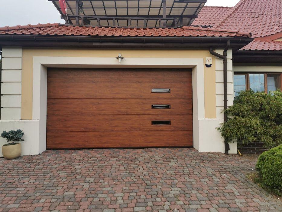 Producent Brama garażowa segmentowa Bramy garażowe przemysłowe 2,79*2