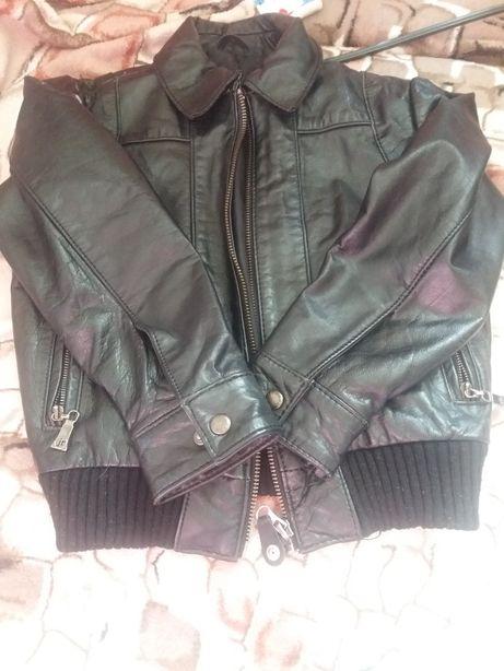 Кожаная курточка осенняя для мальчика 3-5 лет