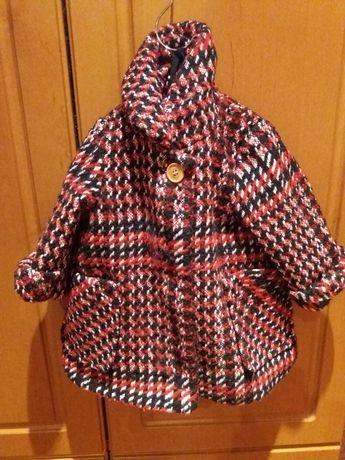 Пальто на девочку 3-6 мес