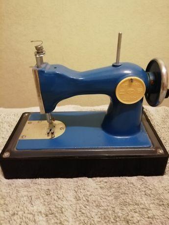 Детская швейная машинка дшм-1 из СССР