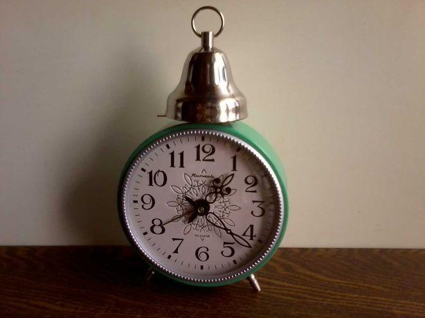Часы – будильник «ЯНТАРЬ» с колоколом, ОЧЗ, СССР, 70-е годы.