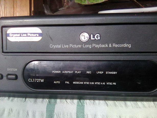 Обменяю видеомагнитафон LG на планшет.