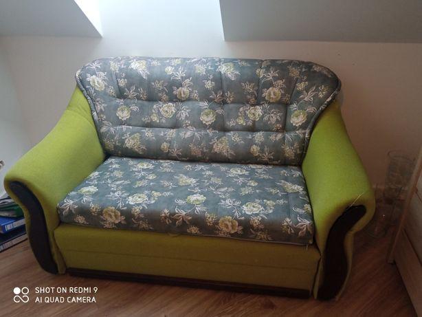 Sofa rozkładana w kwiaty