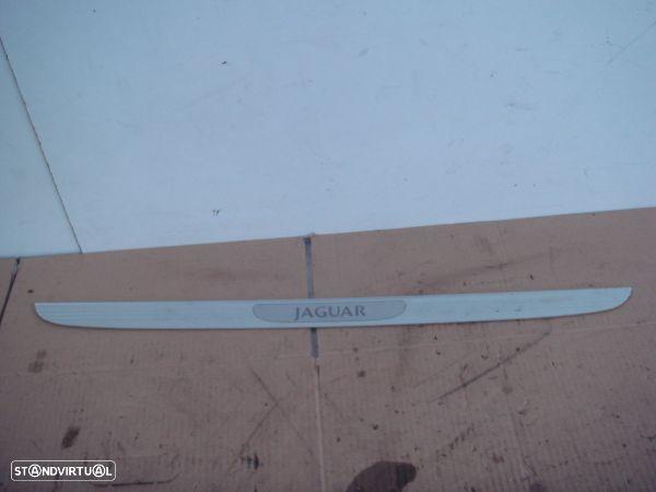 Moldura Entrada Porta Fr. Esq Jaguar X-Type (X400)
