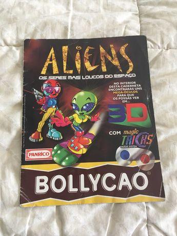"Caderneta Completa da colecçao ""Aliens"" da Bollycao"