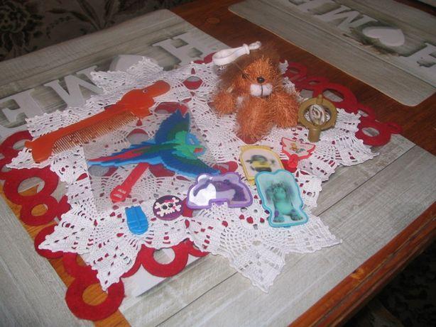 Zabawki i akcesoria dla dzieci, brelok, znacznik bagażu, grzebień itp