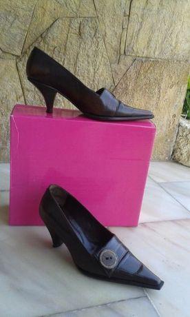 Sapatos Botão - Castanhos