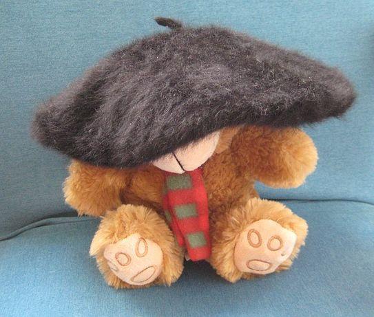 Czarny beret zamienię sprzedam