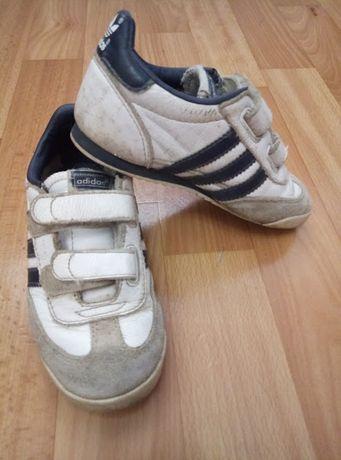 Кроссовки Adidas на мальчика 25 р.