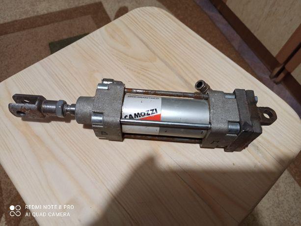 Пневмоцилиндр Camozzi 40M2L040A50/100C01