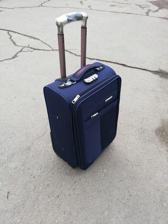 Продам Чемодан дорожный Travel World на 2-х колесах тканевый для авиа