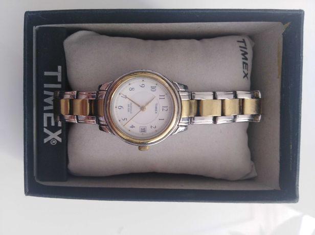 Zegarek TImex z datownikiem damski
