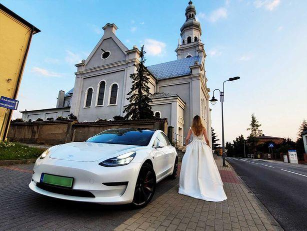 Auto, samochód do ślubu. Tesla model 3 Performance