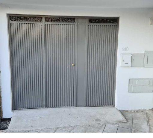 Aluga-se Armazém / Garagem com 38 m2 - Excelente localização