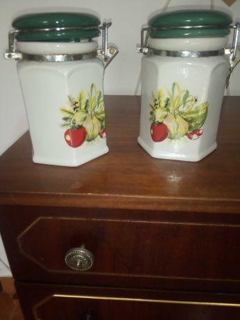Conjunto de potes em porcelana de cozinha