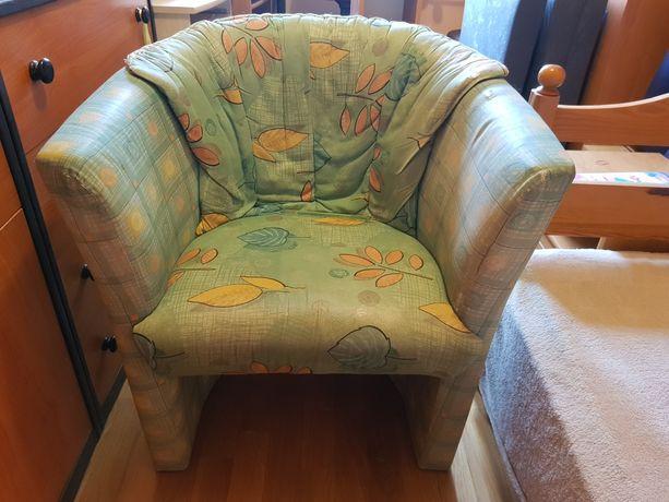 Sprzedam  dwa fotele tapicerowane.