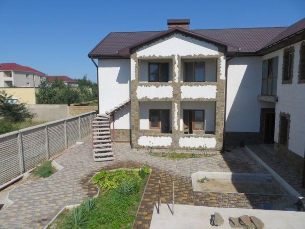 Продам или меняю гостиницу вКрыму на квартиры  в Украине Львов Киев