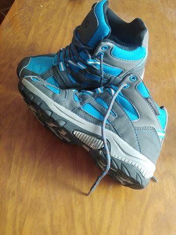 Sapatilha /bota berg