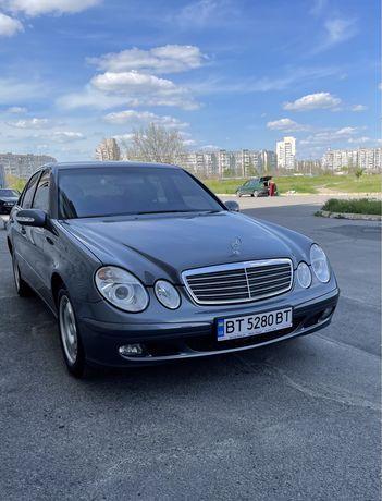 Mercedes Benz E220 cdi 2005год