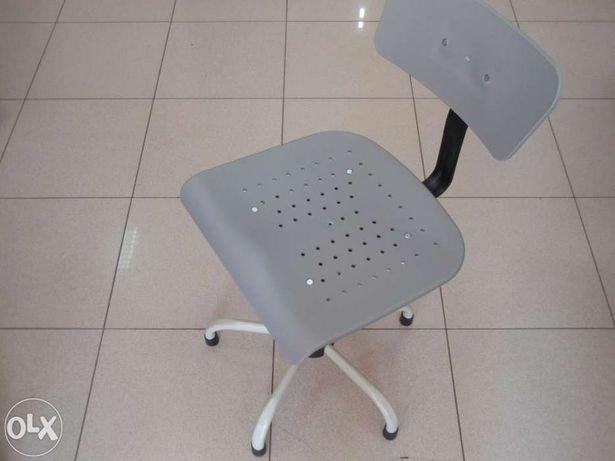 Cadeira para maquina costura, costureira - NOVA