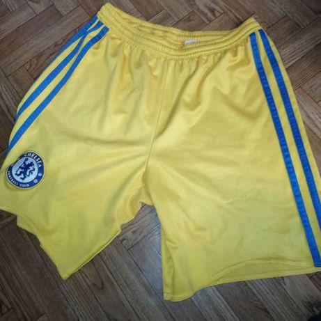 Футбольные шорты