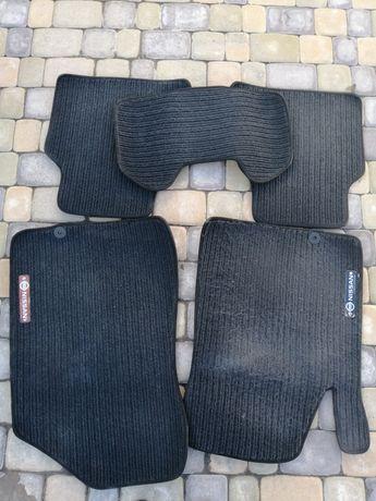 Автомобільні коврики Nissan teana 2010