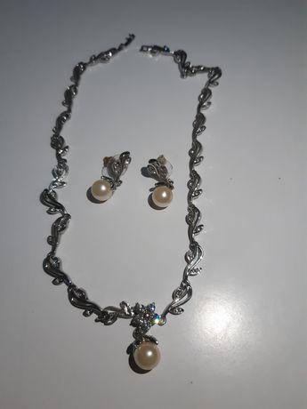 Набор ожерелье и серьги с камнями саровски