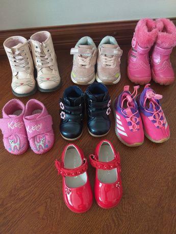 Обувь на девочку 19,22,24