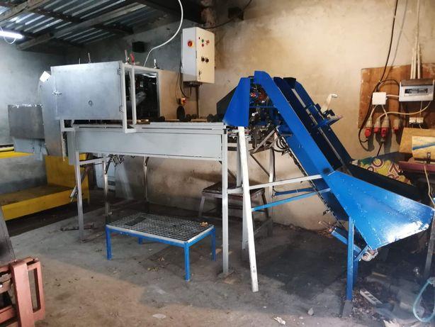 Maszyna do obierania cebuli.