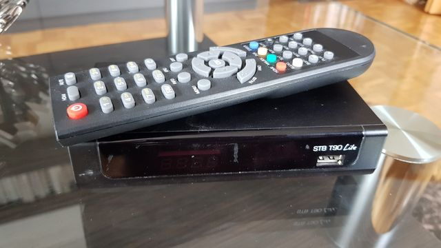 Tuner telewizji naziemnej dvb-t przystawka