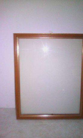 ramka drewniana z szybką na zdjęcia lub obraz