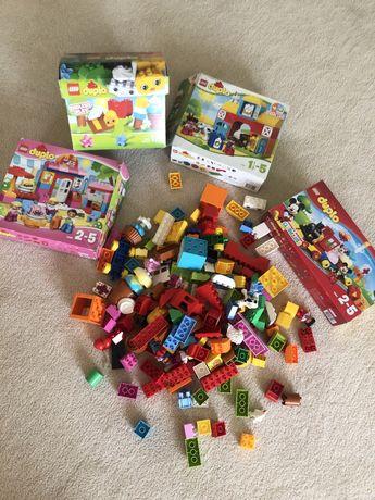 4 набора lego оригинал duplo, кафе, поезд микки маус, ферма и базовый