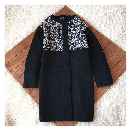 Пальто LENER CORDIER стильное демисезонное.