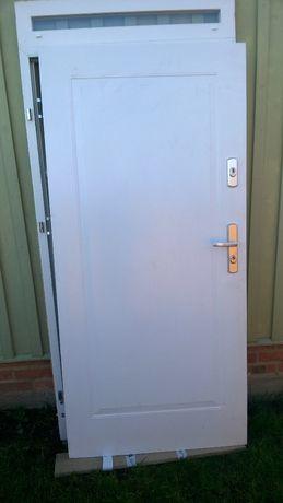 drzwi wejściowe metalowe KMT Energy z naświetlem