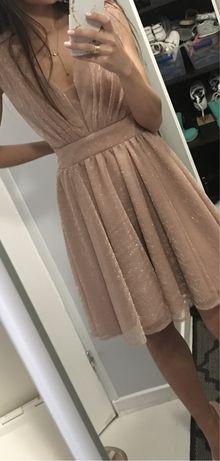 Piekna blyszczaca sukienka