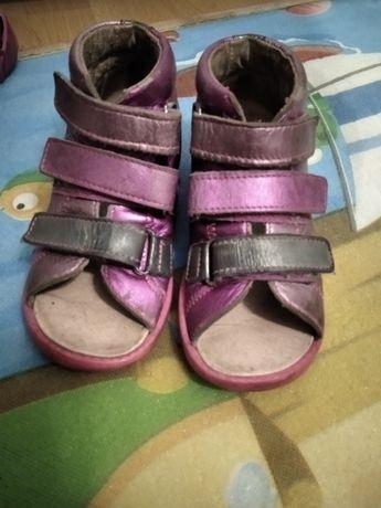 Buty, sandałki profilaktyczne, ortopedyczne