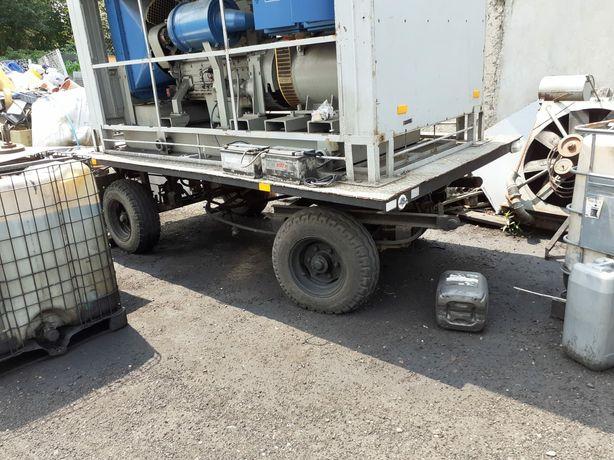 Przyczepa specjalna platforma Dług  400cm , szer  200cm ład 4 T
