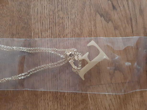 Naszyjnik z literką E