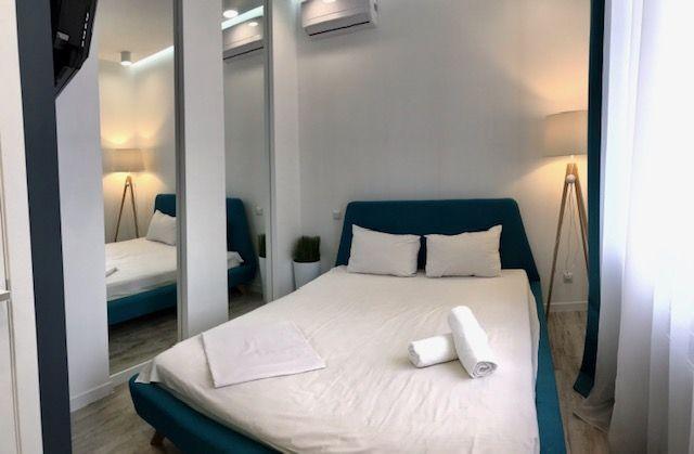 ПОДОБОВО ЦЕНТР 2кімнатна квартира Vip з двома спальнями