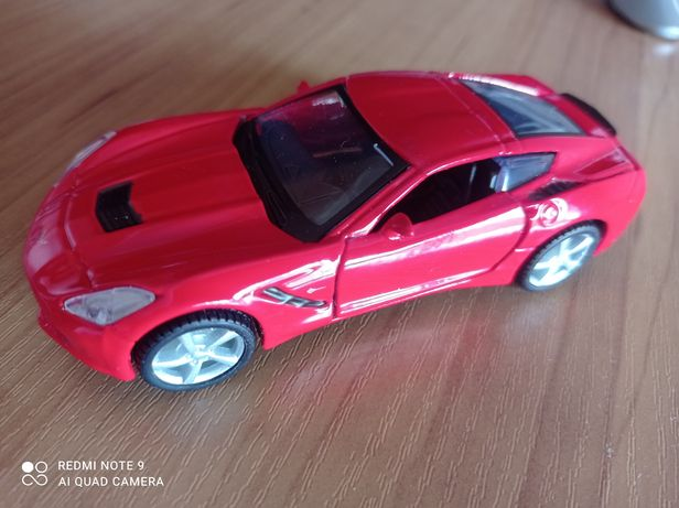 Автомодель Maisto Corvette Stingray