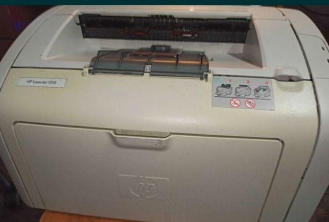Продам принтер с картриджем