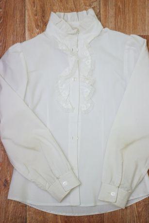 Продам нарядную блузку для школы
