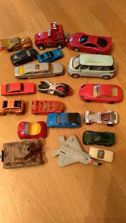 Zabawki autka dziecinne, podana cena za całość